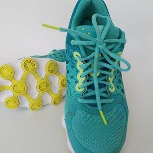 Reebok Ladies sneakers Size 8 Unique Sole
